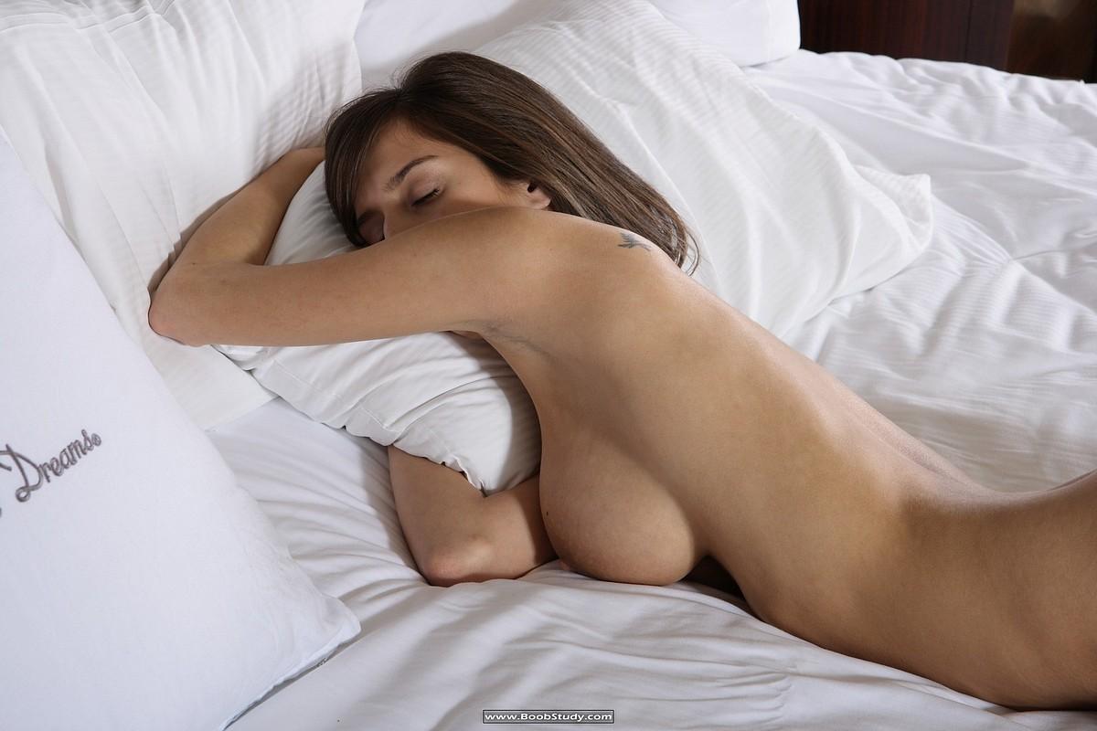 sleeping-naked-big-boobs-black-shemale-movie-tube