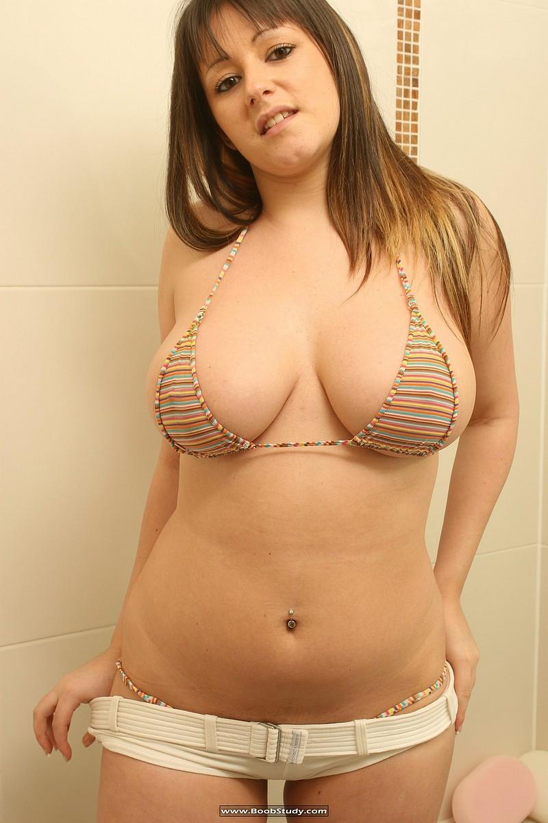 galleries boobstudy photo 268 media abi shower boobs05