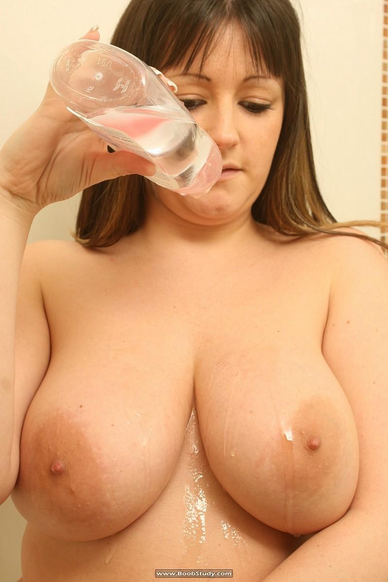galleries boobstudy photo 268 media abi shower boobs11